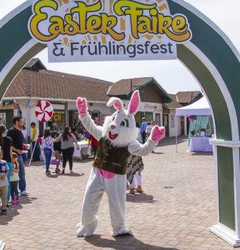 Alpine Easter Faire 2015 – Easter Bunny Photos